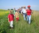1-uczestnicy-ostatniej-niedzielnej-wycieczki-za-miasto-podczas-w_dr_wki-pasmem-wiechy-foto-beata-nowicka