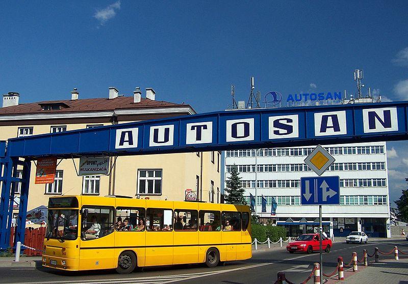 800px-Budynek_Autosan