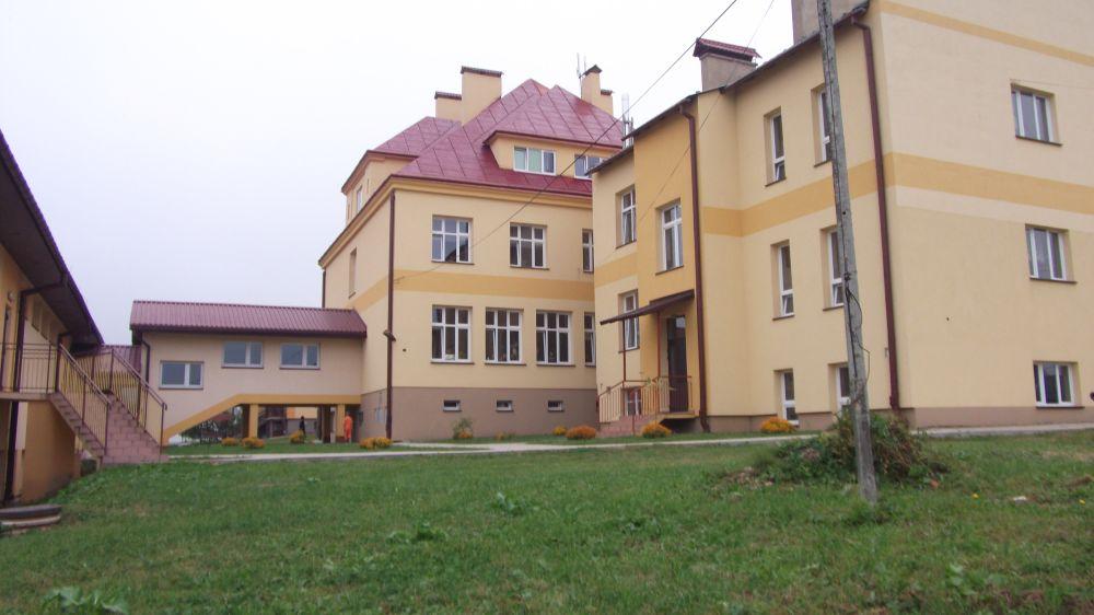 Szkoła w Niebieszczanach