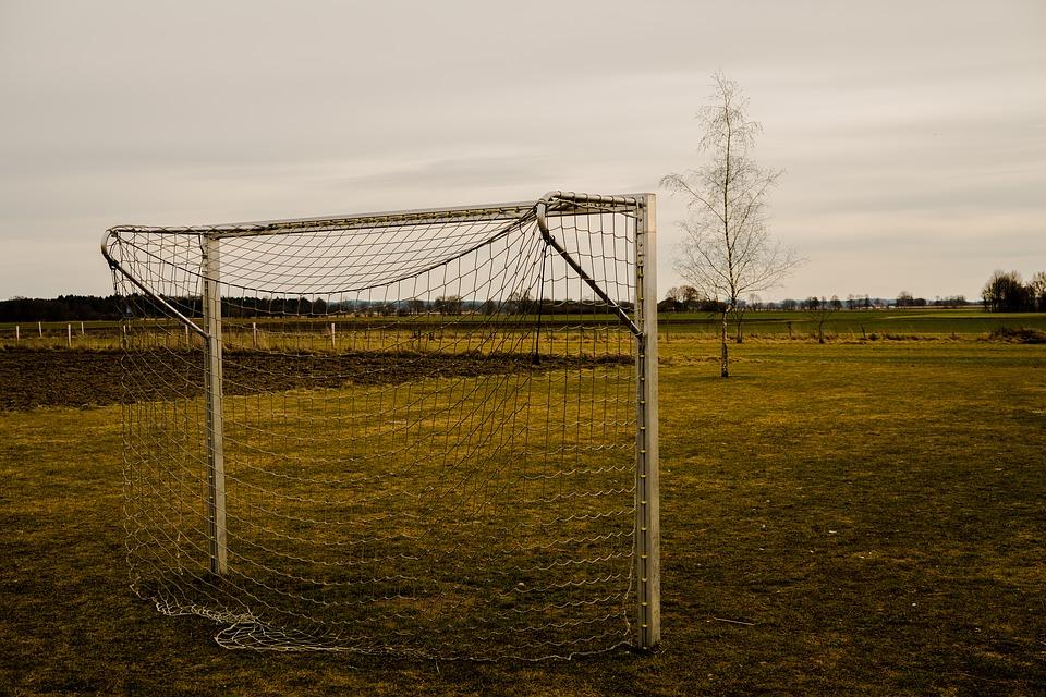 football-2101738_960_720