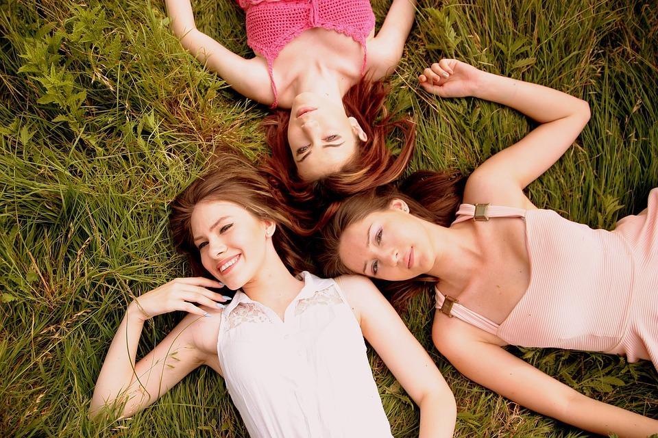 girls-1487826_960_720