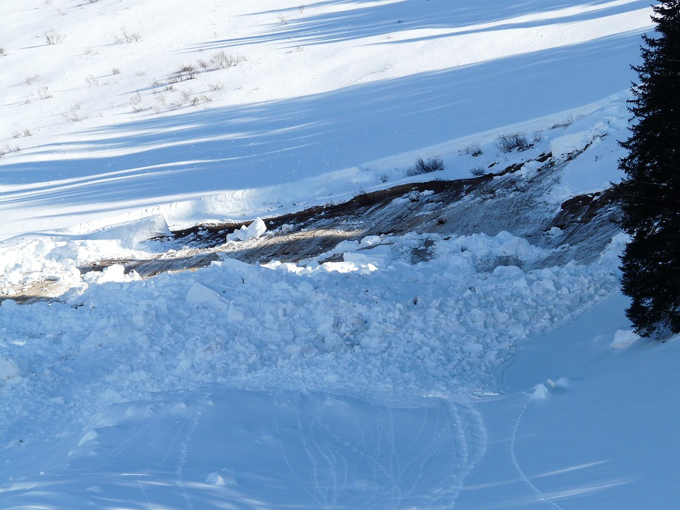 loose-snow-avalanches-16181_960_720