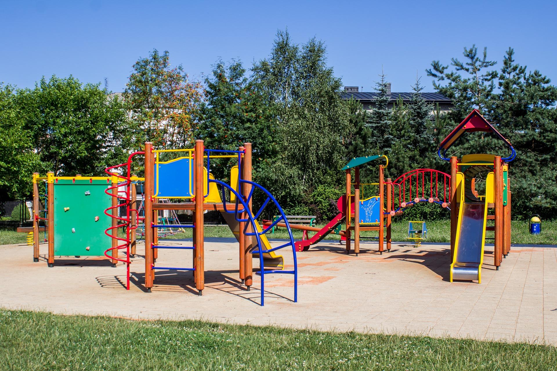 playground-653864_1920
