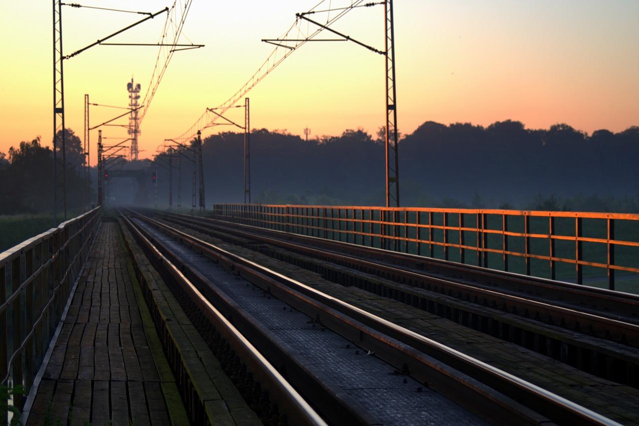 railway-1532375_1280