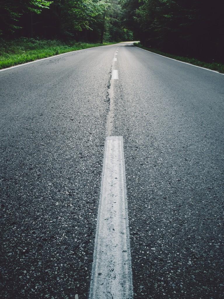 road-893210_1280