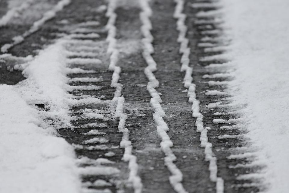 tire-tracks-3148803_960_720