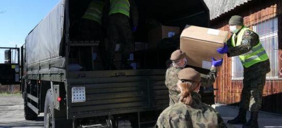 SANOK: Żołnierze WOT przekazują środki ochrony szpitalowi (ZDJĘCIA)