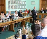 SESJA W MIEŚCIE: O budowie Centrum Rehabilitacji i Sportu oraz zagospodarowaniu brzegów Sanu podczas wtorkowej sesji