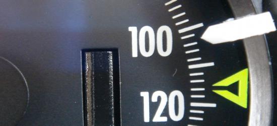 SANOK: Jechali przez Dąbrówkę 101 i 103 km/h. Obaj stracili prawo jazdy