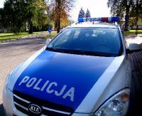 """KRONIKA POLICYJNA: Pieszy miał 3,5 promila alkoholu, telefonem w szybę taksówki i wyrwane lusterko z """"beemki"""""""