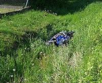 Traktorzysta nie ustąpił pierwszeństwa. Motocyklista w rowie