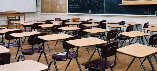 POWIAT SANOCKI: Raport o strajku nauczycieli. Sprawdź, gdzie protestują