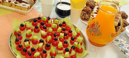 Czas na zdrowie w Niebieszczanach. Uczniowie zorganizowali smaczny festyn  (ZDJĘCIA)