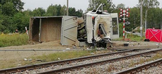 PODKARPACIE: Wypadek na torach. Zginął kierowca ciężarówki