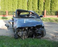 Tragiczny wypadek. Nie żyje 22-latek. Dwaj inni młodzi podróżujący byli pijani (ZDJĘCIA)