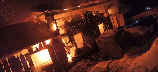 POWIAT BRZOZOWSKI: Pożar garażu. Było zagrożenie wybuchu! (FOTO)