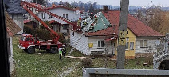 POWIAT BRZOZOWSKI: Zerwane dachy, połamane drzewa (ZDJĘCIE)