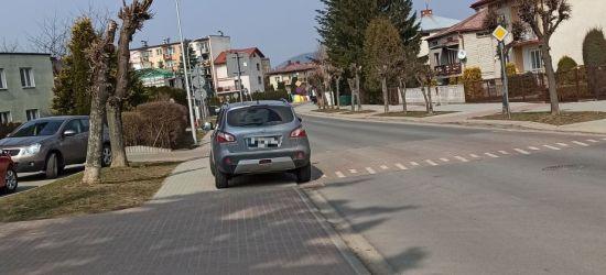 """Przejście dla pieszych. """"Idealne"""" miejsce do zaparkowania samochodu (ZDJĘCIE)"""