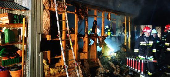 Pożar na Kiczurach. Mężczyzna z oparzeniami 2 stopnia. Straty na 200 tys. zł (NOWE INFORMACJE)