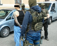 Były bokser odpowie za kierowanie zorganizowaną grupą przestępczą – został zatrzymany przez CBŚP (FILM, ZDJĘCIA)
