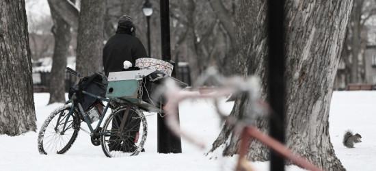 Wielki powrót zimy. Pamiętasz o starszych i bezdomnych?