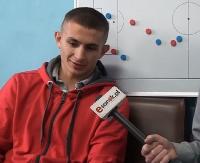 """O """"9"""" na koszulce i imprezach w klubie. Mateusz Kuzio w ogniu pytań (FILM, WYWIAD)"""