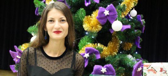 """KOLĘDOWANIE Z ESANOK.PL: Natalia Twardy i """"Cicha Noc"""" (VIDEO)"""