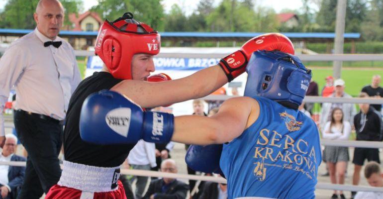 """BRZOZÓW: Bokserskie emocje! """"Promujemy sportowy styl życia"""" (VIDEO, FOTO)"""