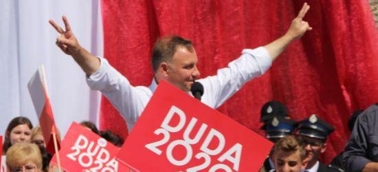 Duda nokautuje Trzaskowskiego w Jasienicy Rosielnej