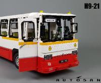 Autosan z klocków LEGO, sterowany za pomocą pilota. Model jest wyposażony w dwustopniową skrzynię biegów (WYWIAD, FILM, ZDJĘCIA)