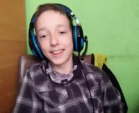 Mateusz cierpi na dziecięce porażenie mózgowe. Aby samodzielnie funkcjonować, potrzebuje pomocy