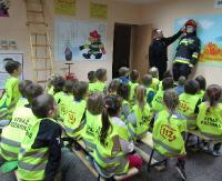 Wyjątkowo ciekawa lekcja bezpieczeństwa. Przedszkolaki u strażaków (ZDJĘCIA)