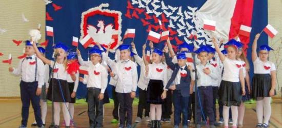 Biało-czerwone Bukowsko! Patriotyczne serca mieszkańców (FILM, ZDJĘCIA)