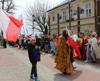 DZISIAJ: X jubileuszowa Młodzieżowa Parada Niepodległości. Prezentacje, sceny walk rycerskich i pokaz broni!