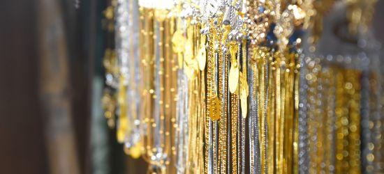 LESKO. 26-latek ukradł ze sklepu jubilerskiego dwa złote łańcuszki (FOTO)