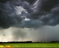 UWAGA! IMGW ostrzega przed burzami z gradem na Podkarpaciu