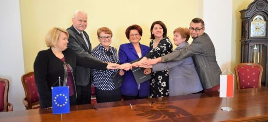 Centrum Symulacji Medycznej za 32,5 mln złotych! Podpisano umowę (FOTO)