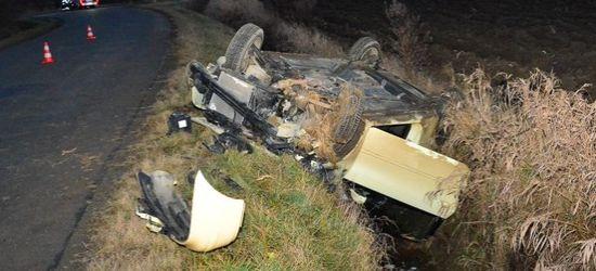 Dachowanie w Rymanowie. Pasażer z ciężkimi obrażeniami (ZDJĘCIA)