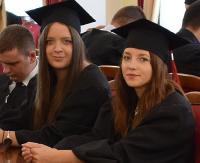 PWSZ W SANOKU: Licencjaci pielęgniarstwa odebrali dyplomy (FILM)