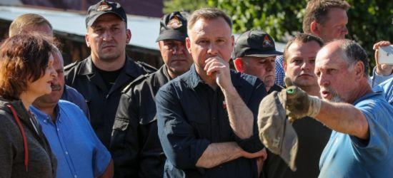 """Prezydent odwiedził zalane tereny: """"Widok jest wstrząsający"""" (FOTO, WIDEO)"""