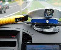 GMINA ZAGÓRZ: Uderzył w inny pojazd i chciał uciec. Zatrzymali go ratownicy medyczni i SOK-iści