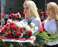"""SANOK: """"Wspierajmy tych, za którymi stoją czyny, a nie słowa"""". 227. rocznica Konstytucji 3-go Maja (FILM, ZDJĘCIA)"""