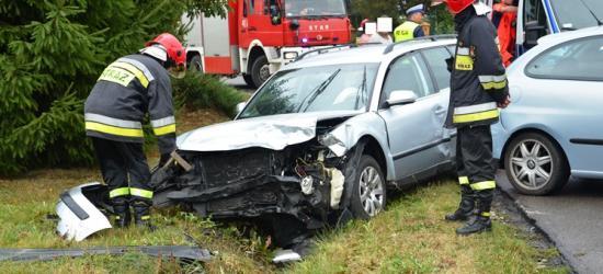 Na drogach znów niebezpiecznie. Dwie osoby ranne w wypadku w Orzechówce (ZDJĘCIA)