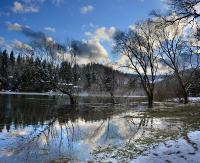 Po roztopach podniósł się poziom wody w Jeziorze Solińskim (ZDJĘCIA)