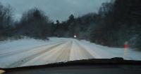 Śnieżyca dała nam się we znaki. Ugrzęzła karetka, 4 tysiące ludzi bez prądu (ZDJĘCIA)