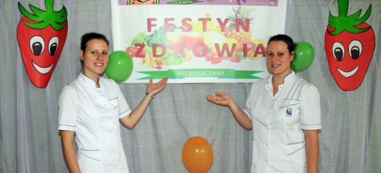 Studentki – pielęgniarki promują zdrowy tryb życia (ZDJĘCIA)