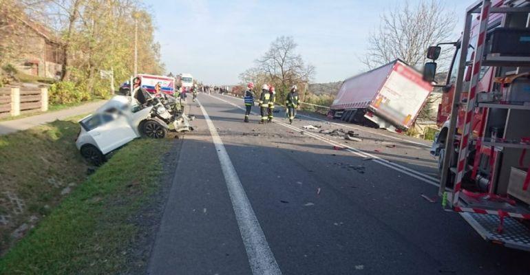 Tragiczny wypadek na trasie do Rzeszowa. Zginęła kobieta (FOTO)