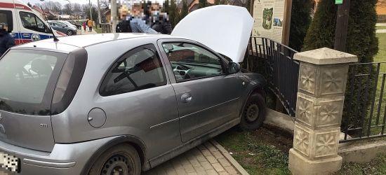 Zdarzenie z udziałem trzech pojazdów w Nowosielcach (FOTO)