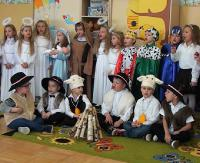 """SANOCKA AKCJA ŚPIEWANIA KOLĘD: Przedszkole w Pakoszówce """"Przybieżeli do Betlejem"""" (FILM)"""