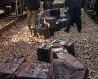 REGION: Przechwycili 12 tys. paczek papierosów. Kontrabanda ukryta w rudzie żelaza (ZDJĘCIA)